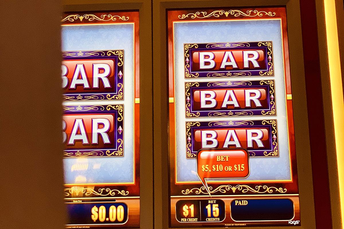 play vintage slots machines in Vegas