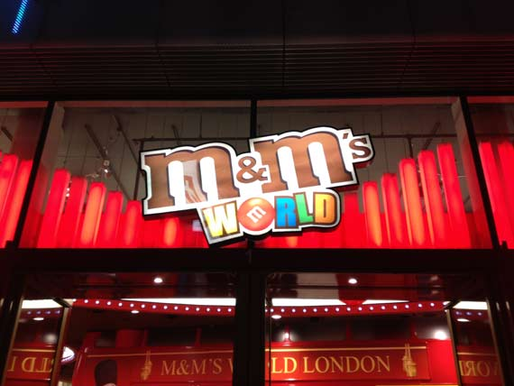 M m 39 s world ouvre sa boutique londres - Londres boutiques pas cher ...