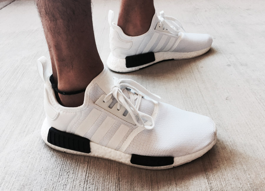 Adidas NMD blanches à bandes noires