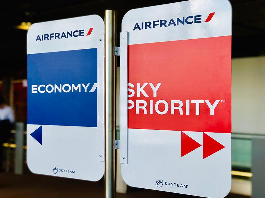 différences entre sky priority et economy