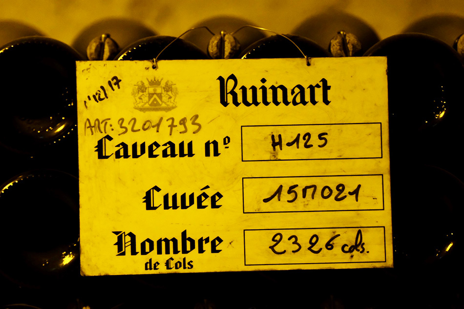 caves champagnes ruinart