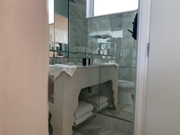 salle de bain hotel avalon beverly hills