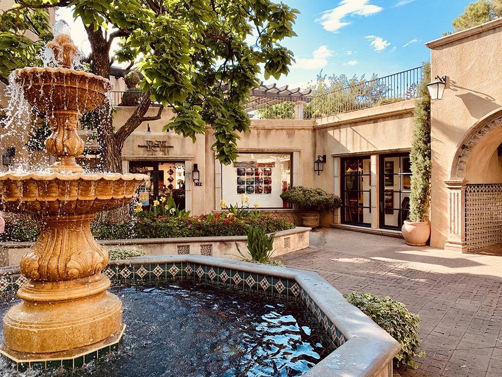 Tlaquepaque Arts and Shopping Village à Sedona en Arizona