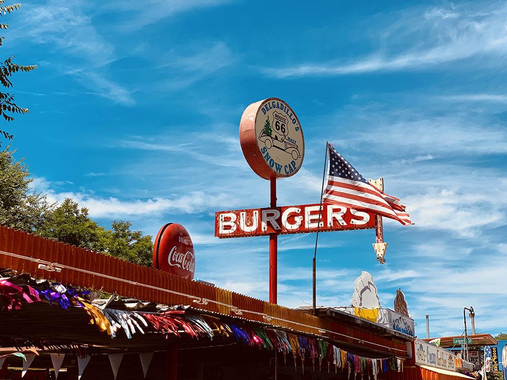 burger DELGADILLOS SNOW CAP à Seligman