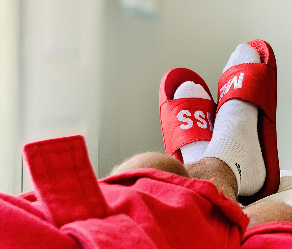 Claquettes chaussettes : les porter fait-il de nous des ploucs ?